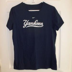 Nike Slim Fit MLB Yankees Navy tshirt XL 16-18